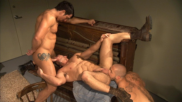 Jimmy Durano Marc Dylan and Harley Everett in Titan Men download full movie torrents