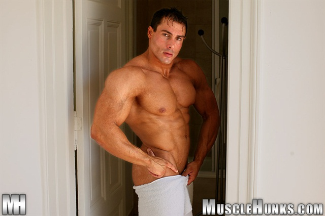 gilberto nestore Naked Muscle Stud Muscle Hunks free photo Gallery for Download