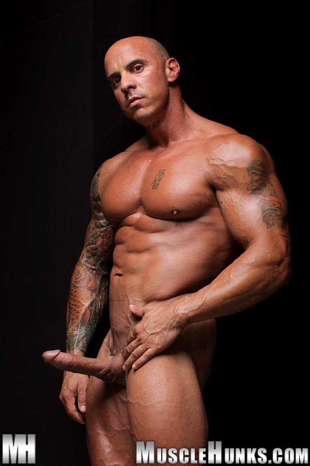 Nackt mh Mike Jones