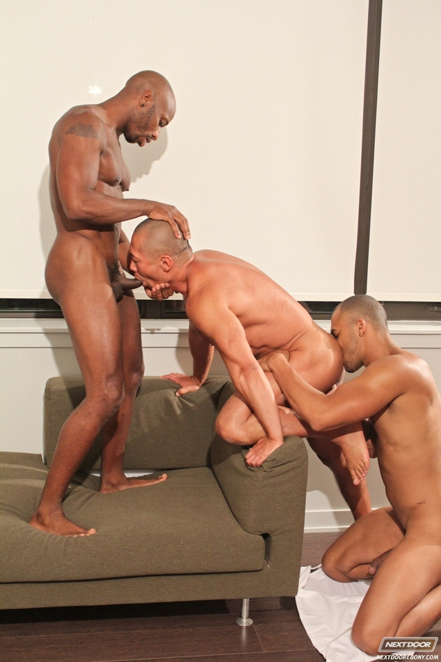 Black-gay-threesome-Race-Cooper-ass-fucks-Rob-Lee-Kiern-Duecan-Next-Door-Ebony-05-photo