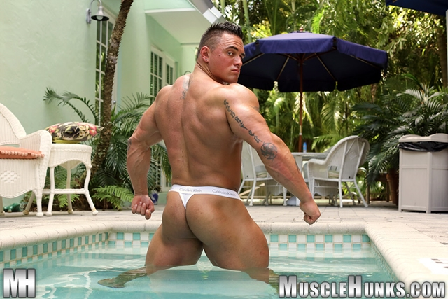 Jackson-Gunn-Nude-bodybuilder-muscle-hunk-04-Gay-Porn-Pics-Video-photo