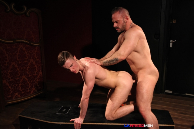 Samuel-Colt-and-JP-Dubois-UKNakedMen-hairy-young-men-muscle-studs-British-gay-porn-English-Guys-Uncut-Cocks-06-gay-porn-reviews-pics-gallery-tube-video-photo