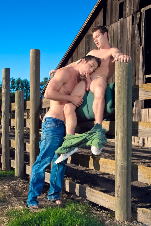 Ryan-Rose-and-Vance-Crawford-Falcon-Studios-Gay-Porn-Star-Muscle-Hunks-Naked-Muscled-Men-young-jocks-ripped-abs-03-gallery-video-photo