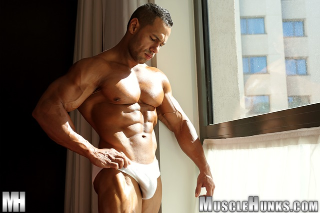 Cosmo-Babu-Muscle-Hunks-nude-gay-bodybuilders-porn-muscle-men-muscled-hunks-big-uncut-cocks-nude-bodybuilder-002-gallery-video-photo