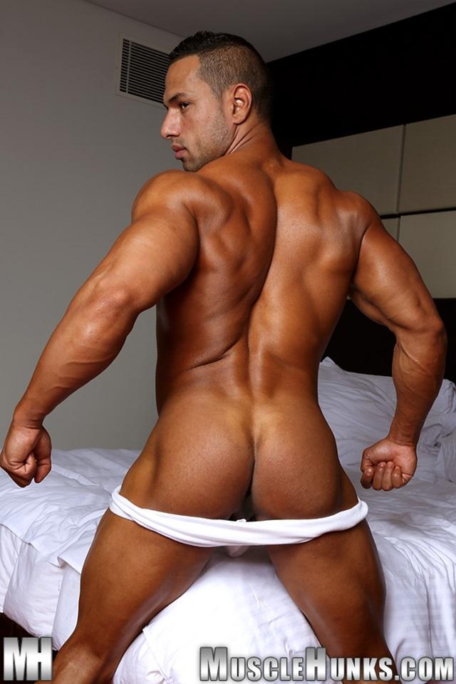 Cosmo-Babu-Muscle-Hunks-nude-gay-bodybuilders-porn-muscle-men-muscled-hunks-big-uncut-cocks-nude-bodybuilder-006-gallery-video-photo