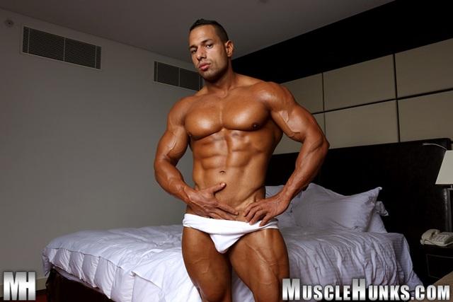 Cosmo-Babu-Muscle-Hunks-nude-gay-bodybuilders-porn-muscle-men-muscled-hunks-big-uncut-cocks-nude-bodybuilder-007-gallery-video-photo