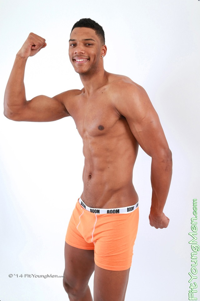 Naked-young-men-nude-sportsmen-mm00456-fit-young-men-levi-brammel-gallery-video-photo