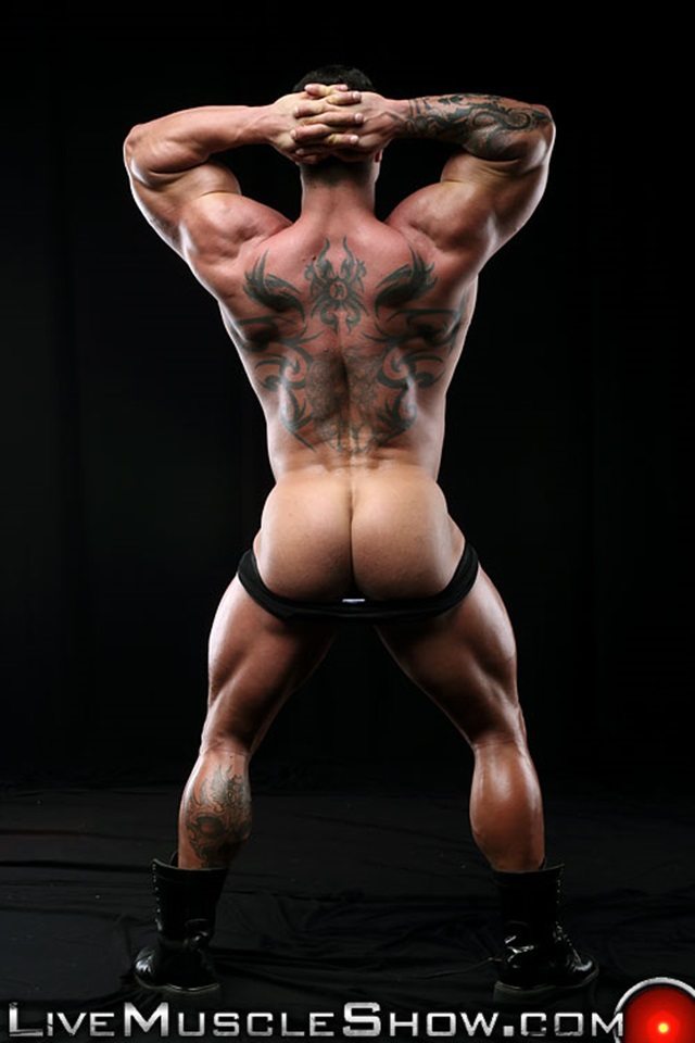 Kurt-Beckmann-Live-Muscle-Show-Gay-Porn-Naked-Bodybuilder-nude-bodybuilders-gay-fuck-muscles-big-muscle-men-gay-sex-011-gallery-photo