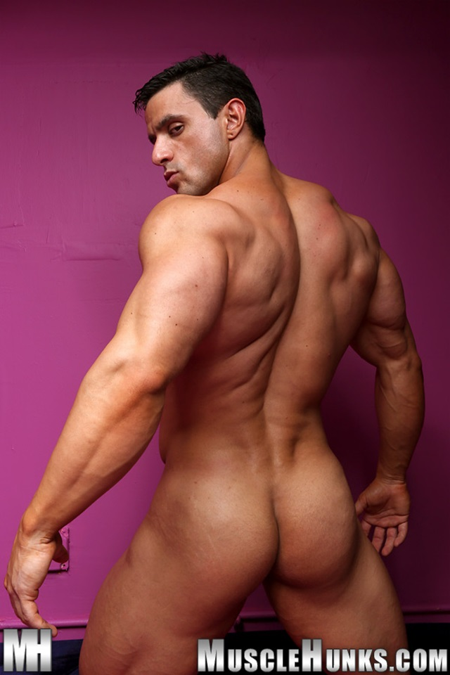 Macho-Nacho-Muscle-Hunks-nude-gay-bodybuilders-porn-muscle-men-muscled-hunks-big-uncut-cocks-nude-bodybuilder-015-gallery-photo