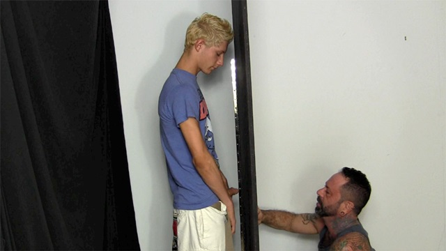 Straight-Fraternity-Scrappy-shoots-huge-load-Franco-mouth-001-male-tube-red-tube-gallery-photo
