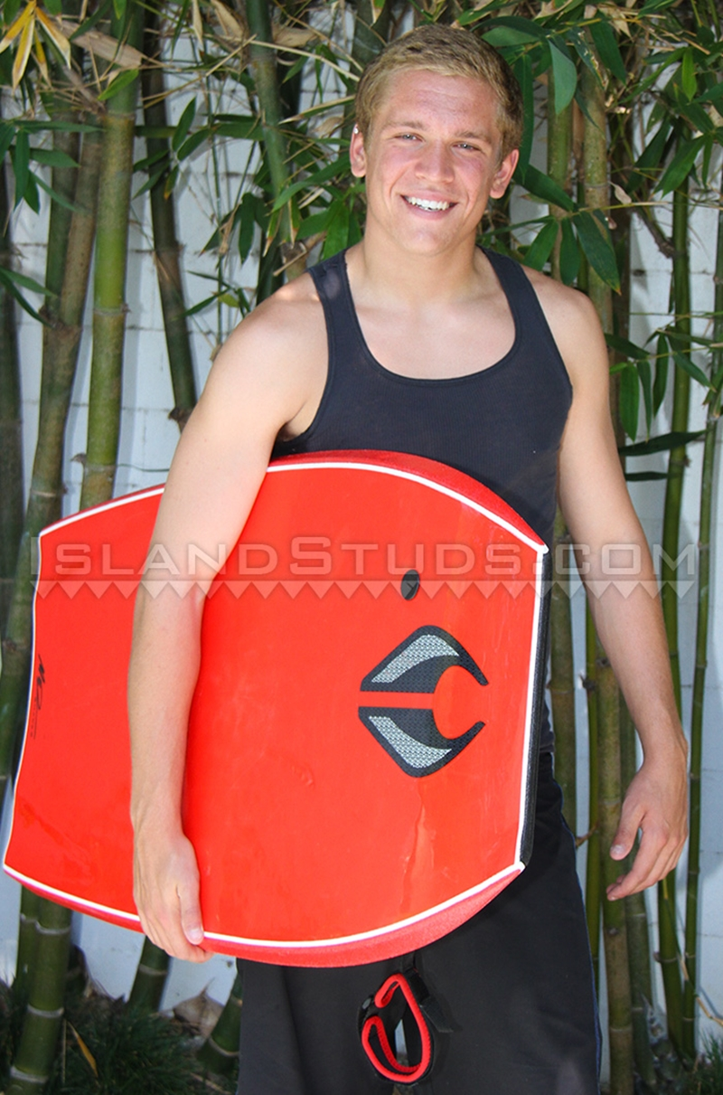 Island-Studs-Honolulu-Cal-young-man-gym-sculpted-abs-hairless-Asian-athletic-bubble-butt-jerks-off-003-male-tube-red-tube-gallery-photo