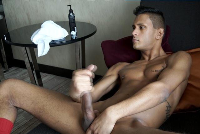 bentley-race-Hungarian-Victor-Cerami-20-year-old-Aussiebum-underwear-huge-uncut-cock-foreskin-dick-head-bum-erect-008-male-tube-red-tube-gallery-photo