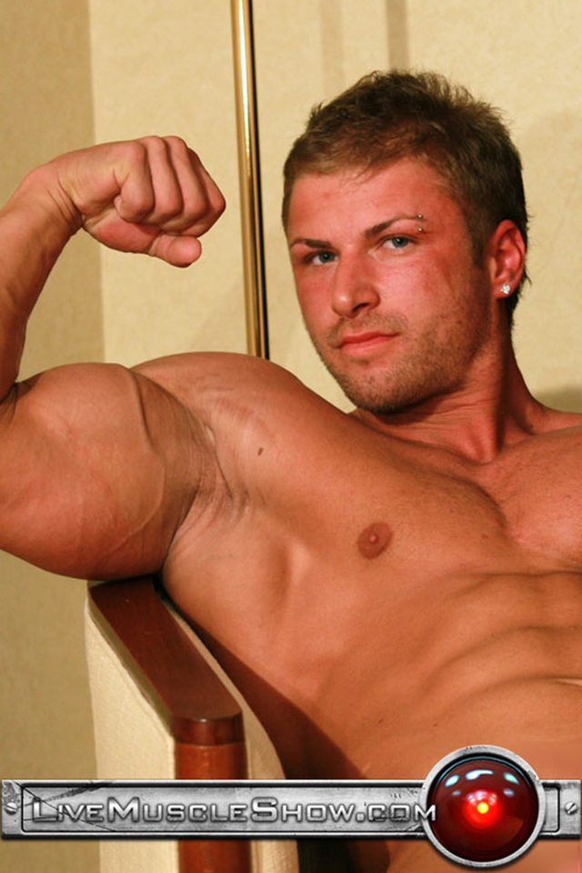 Live-Muscle-Show-Kane-Griffin-muscle-builder-muscled-hunk-young-abdominal-muscles-live-webcam-chat-002-male-tube-red-tube-gallery-photo