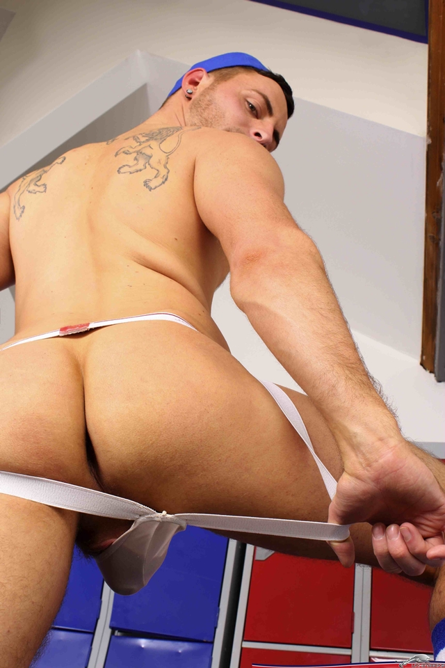 UK-Hot-Jocks-Riley-Tess-bottom-boy-12-inch-thick-ass-sex-toy-dildo-assplay-005-male-tube-red-tube-gallery-photo