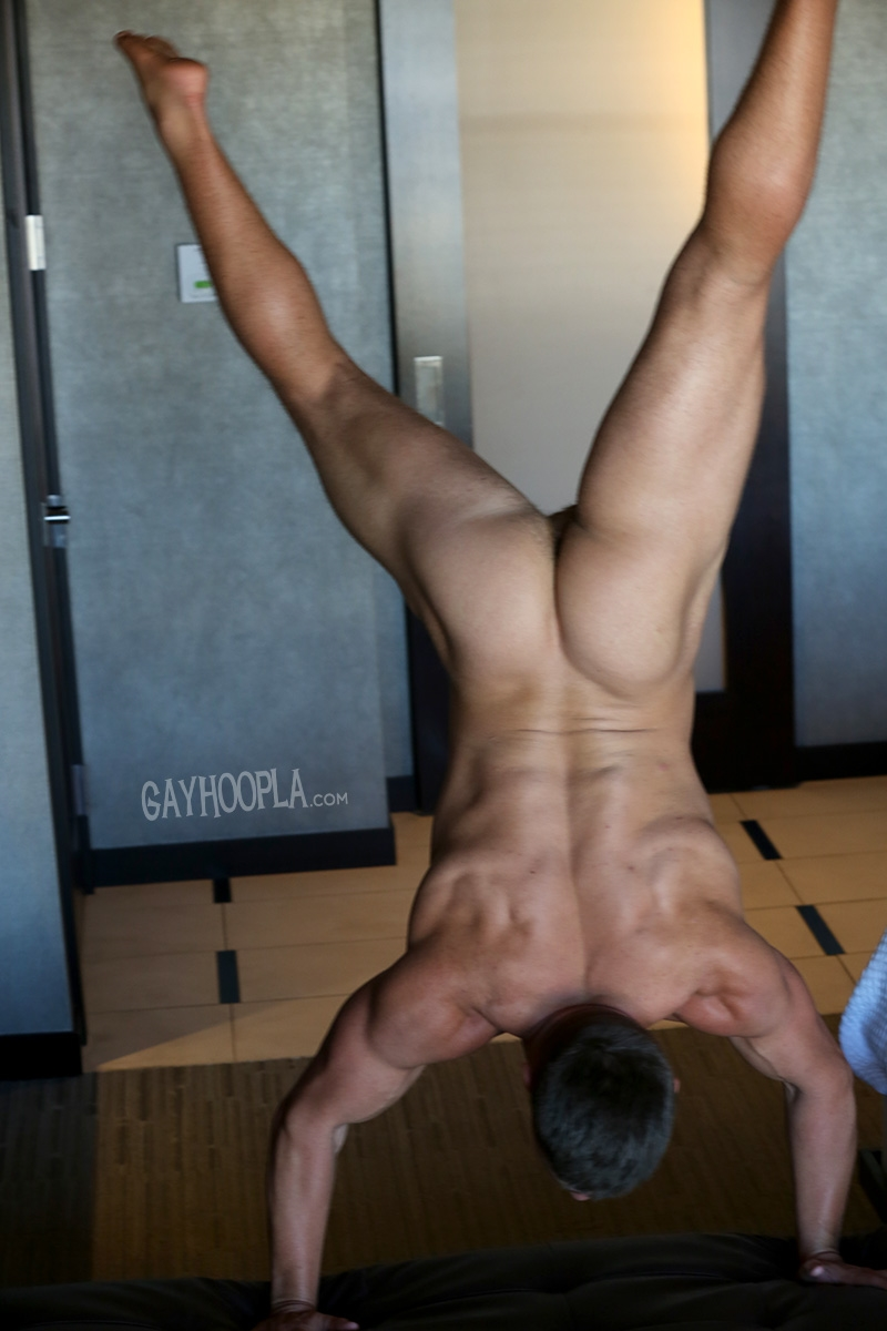 Gay-Hoopla-GayHoopla-AJ-Laws-gap-front-teeth-chin-dimple-hard-muscled-ass-huge-cock-big-lowhanging-balls-002-nude-men-tube-redtube-gallery-photo