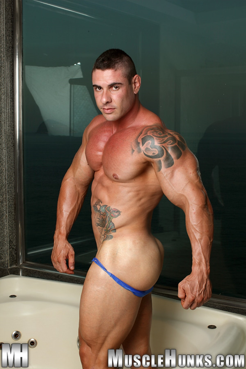 MuscleHunks-Huge-muscled-naked-bodybuilder-Brian-Gunns-g-string-Tattoo-oiled-muscular-torso-underwear-big-bubble-butt-meaty-ass-cheeks-004-tube-download-torrent-gallery-photo
