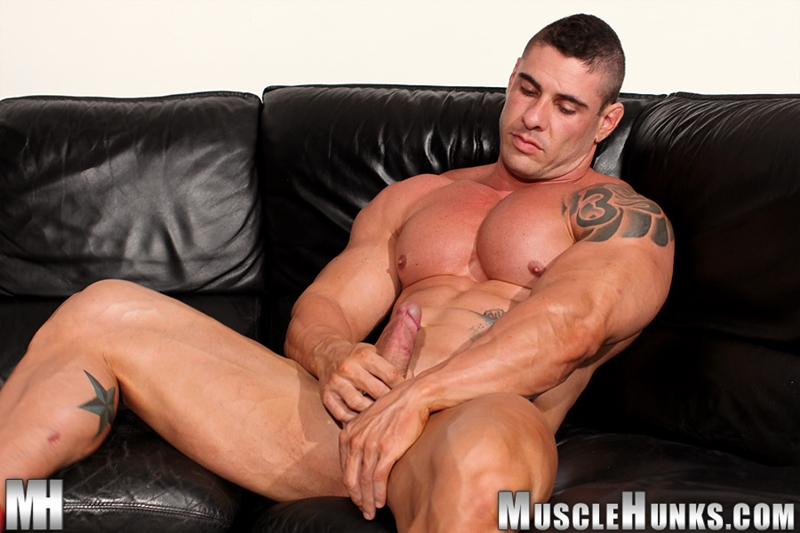MuscleHunks-Huge-muscled-naked-bodybuilder-Brian-Gunns-g-string-Tattoo-oiled-muscular-torso-underwear-big-bubble-butt-meaty-ass-cheeks-012-tube-download-torrent-gallery-photo