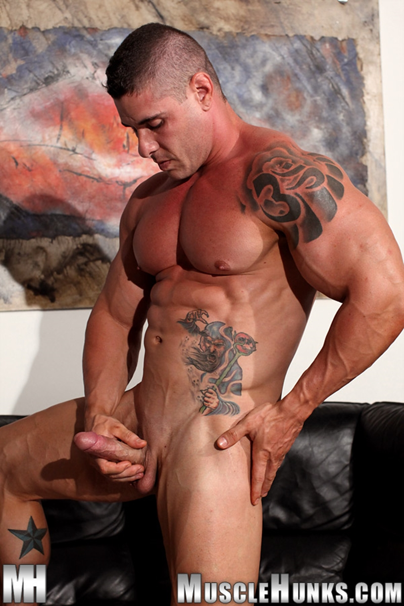 MuscleHunks-Huge-muscled-naked-bodybuilder-Brian-Gunns-g-string-Tattoo-oiled-muscular-torso-underwear-big-bubble-butt-meaty-ass-cheeks-015-tube-download-torrent-gallery-photo