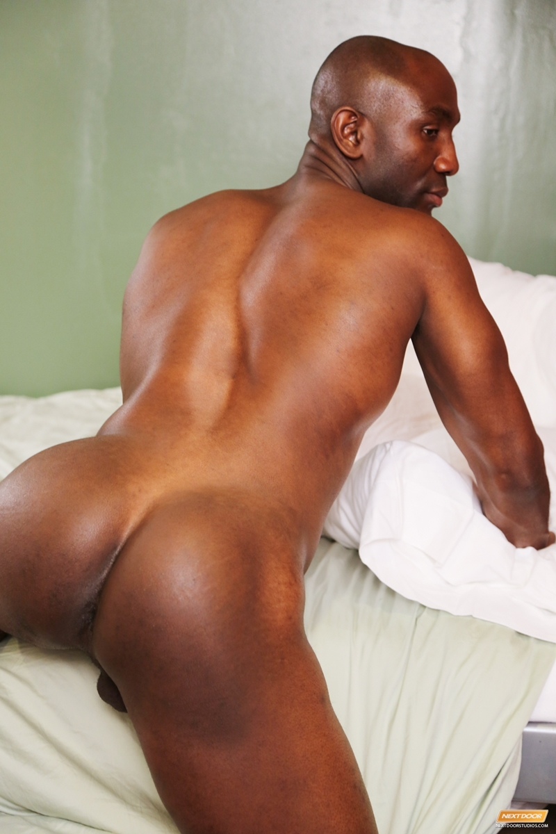 Butt naked old black man ginger