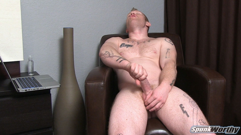 Jerking shemale porn