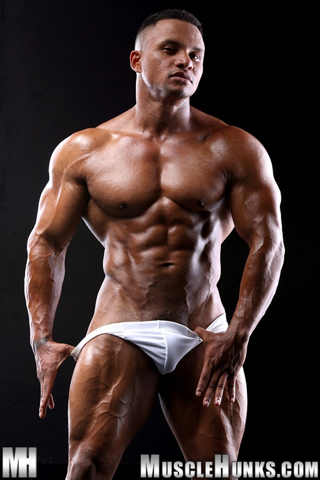 bodybuilder strips naked and strokes his big hard cock torrent photo