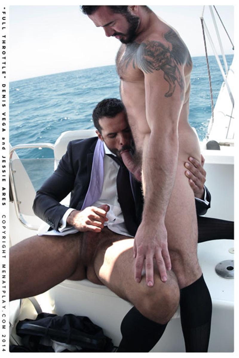 gay daddy muscle flex