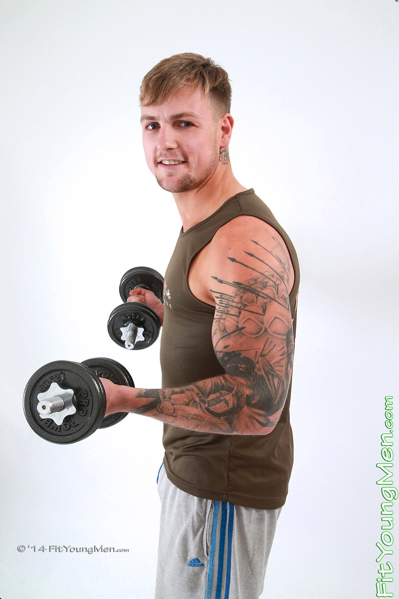 FitYoungMen-Ralph-Clifford-Personal-Trainer-Age-22-years-old-straight-uncut-cock-nude-sportsmen-ripped-muscle-body-002-tube-download-torrent-gallery-sexpics-photo