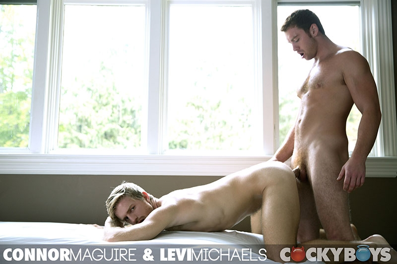 cocky boys  Connor Maguire fucks Levi Michaels