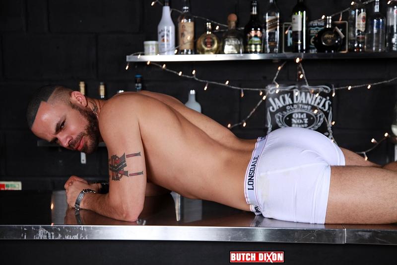 Delta Kobra eats out Craig Daniel's hot hole