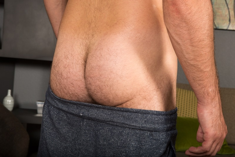 SeanCody-Sexy-young-bearded-muscle-stud-Coty-good-looking-guy-thick-cock-hairy-bubble-ass-cheeks-orgasm-jerks-blows-cumload-furry-abs-15-gay-porn-star-sex-video-gallery-photo