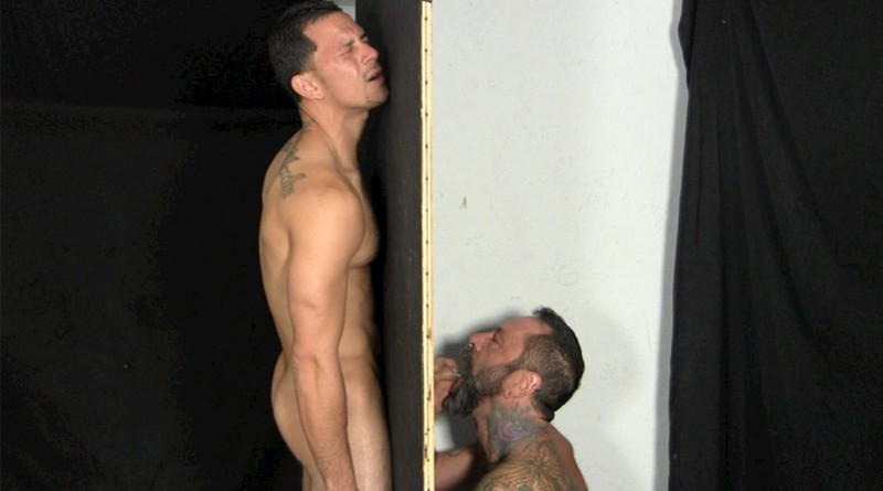 Guy pissing while in pusy