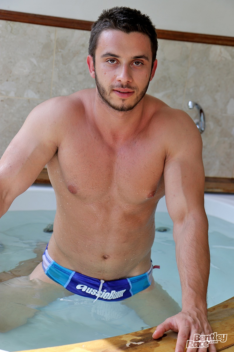 bentleyrace-sexy-young-australian-muscle-cub-stud-handsome-hunk-aussie-james-nowak-jerks-huge-thick-uncut-dick-hot-tub-cumshot-018-gay-porn-sex-gallery-pics-video-photo