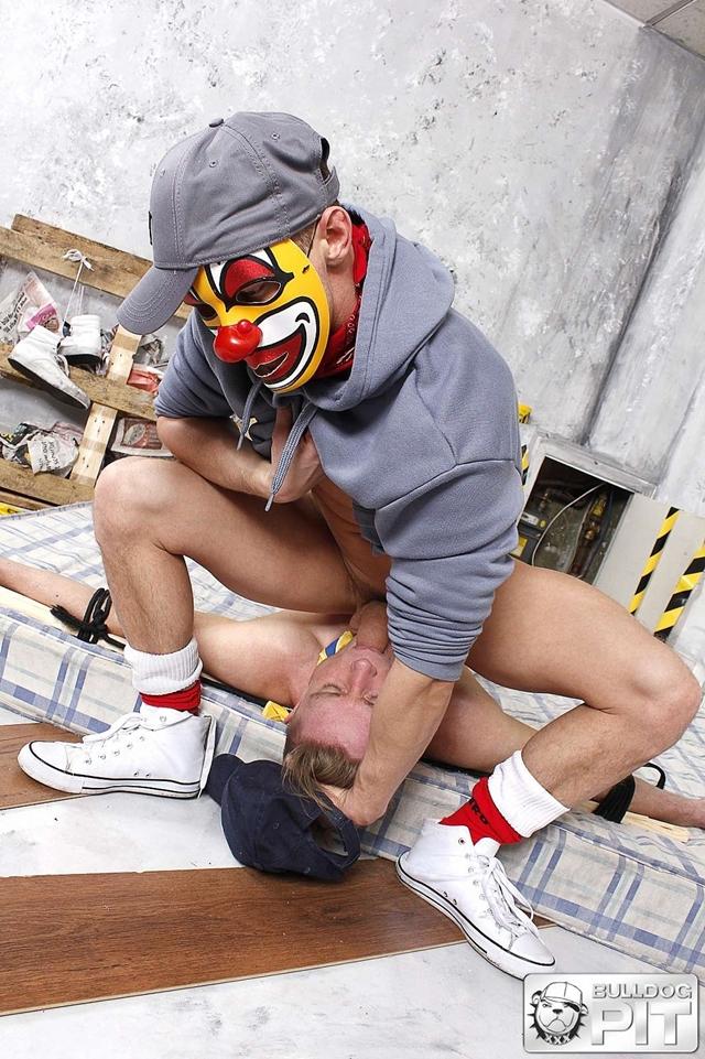 bulldog pit  Justin Blake and Darius Ferdynand