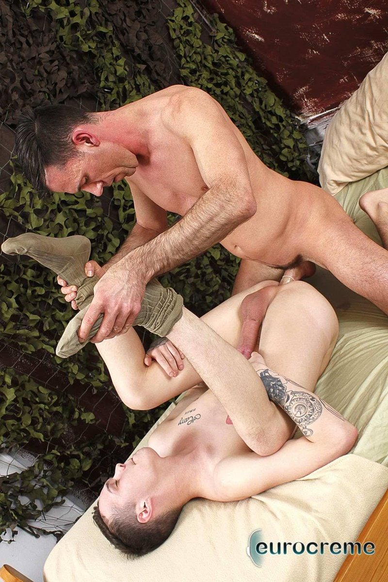 eurocreme-sexy-young-naked-guy-charley-cole-sucked-big-cock-dave-london-hardcore-ass-fucking-anal-rimming-army-boys-fuck-015-gay-porn-sex-gallery-pics-video-photo