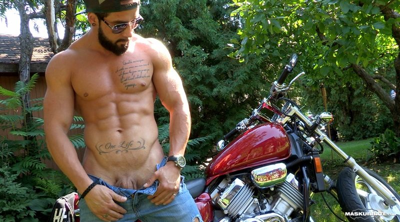 Maskurbate-ripped-naked-big-muscle-man-Zack-huge-thick-long-dick-solo-jerk-off-cumshot-sexy-muscled-hunk-beard-facial-hair-ripped-abs-001-gay-porn-sex-gallery-pics-video-photo