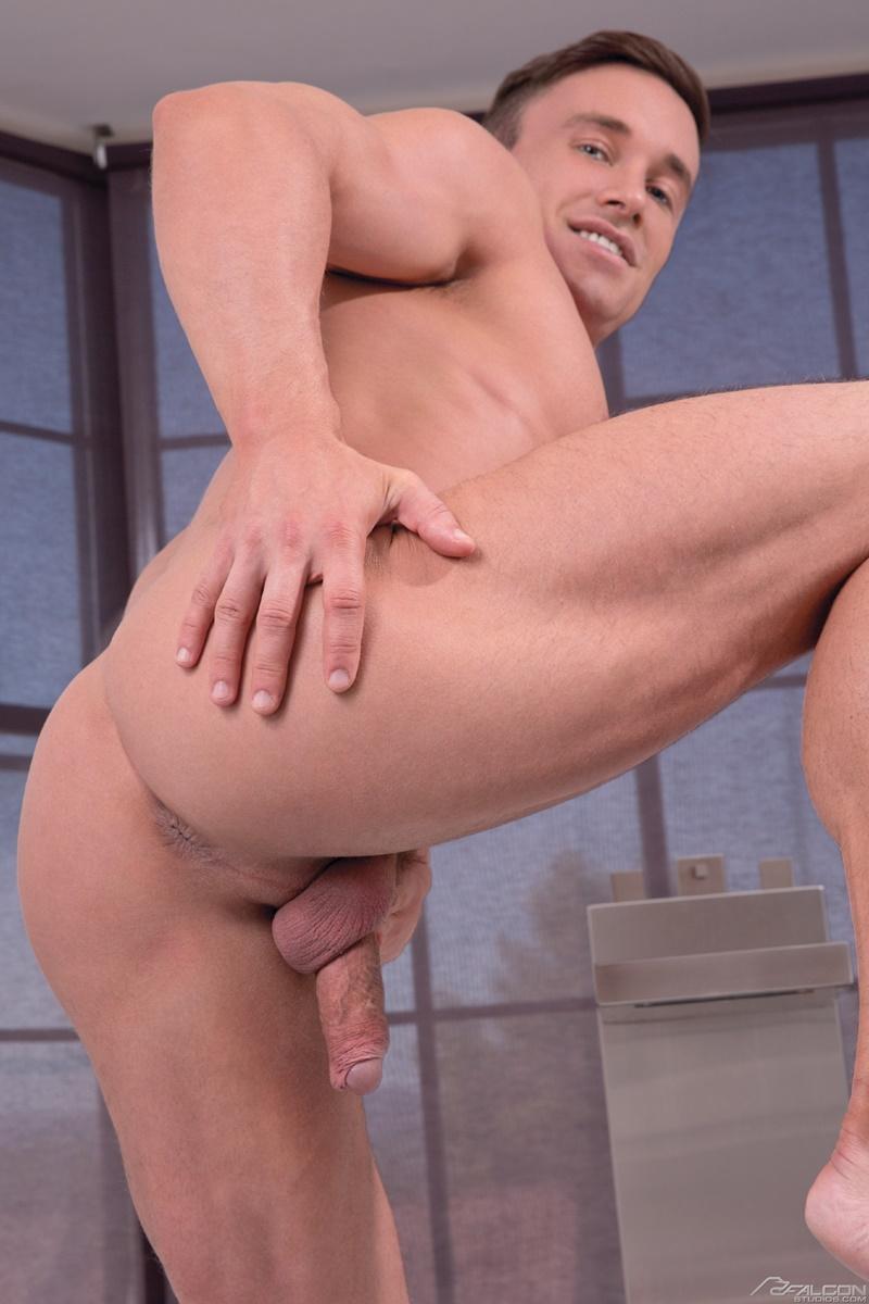 gay porn tube video gloryhole