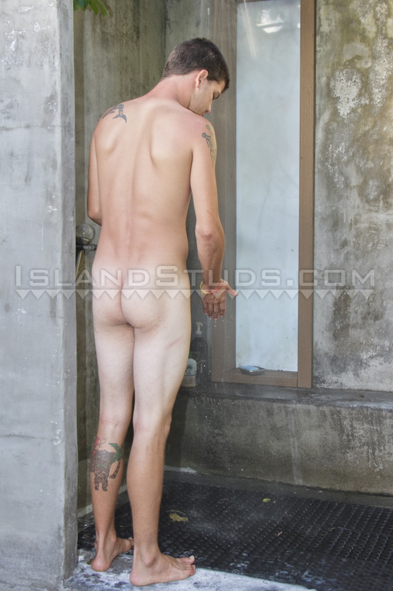 islandstuds-nude-dude-horse-hung-hawaiian-american-musician-kurt-jerks-huge-9-inch-monster-cock-wanking-solo-outdoors-012-gay-porn-sex-gallery-pics-video-photo