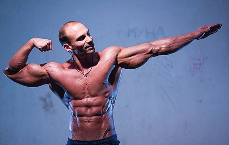 Jock Men Live nude bodybuilder big muscle man Lex Harris