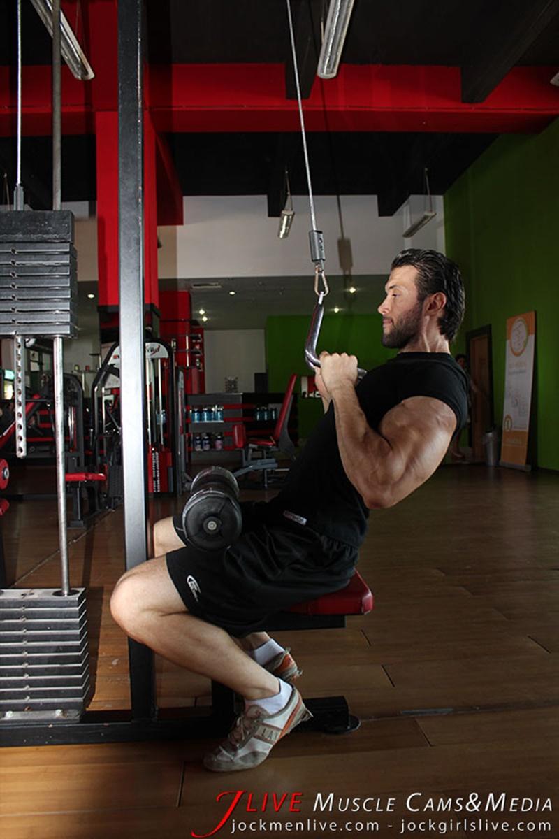jockmenlive-jock-men-live-muscle-show-steve-bulk-massive-muscle-bodybuilder-naked-muscleman-huge-arms-lats-ripped-abs-003-gay-porn-sex-gallery-pics-video-photo