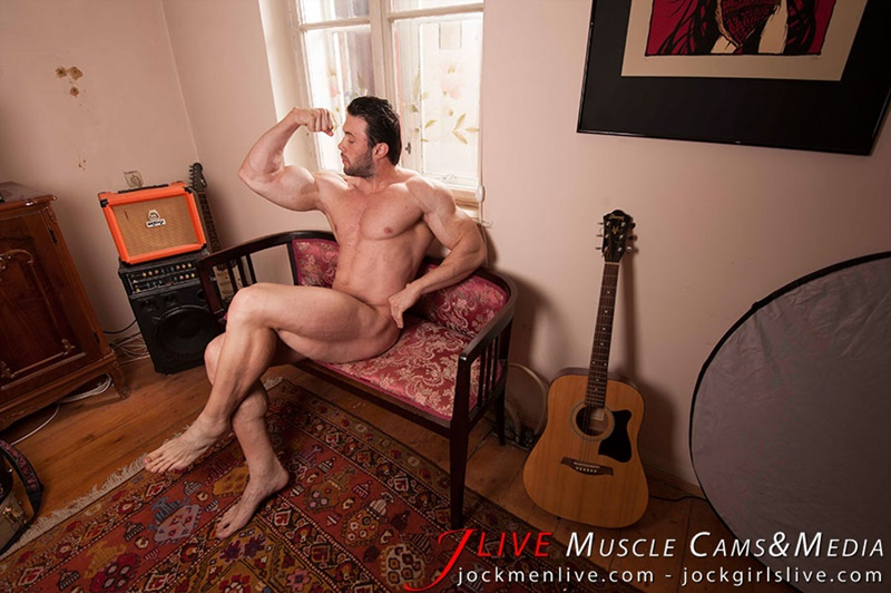 jockmenlive-jock-men-live-muscle-show-steve-bulk-massive-muscle-bodybuilder-naked-muscleman-huge-arms-lats-ripped-abs-007-gay-porn-sex-gallery-pics-video-photo