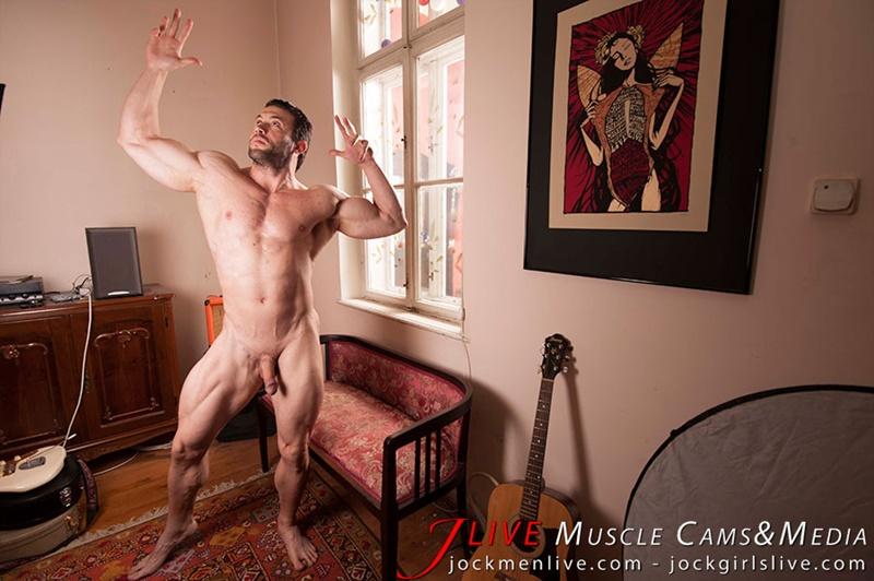 jockmenlive-jock-men-live-muscle-show-steve-bulk-massive-muscle-bodybuilder-naked-muscleman-huge-arms-lats-ripped-abs-009-gay-porn-sex-gallery-pics-video-photo