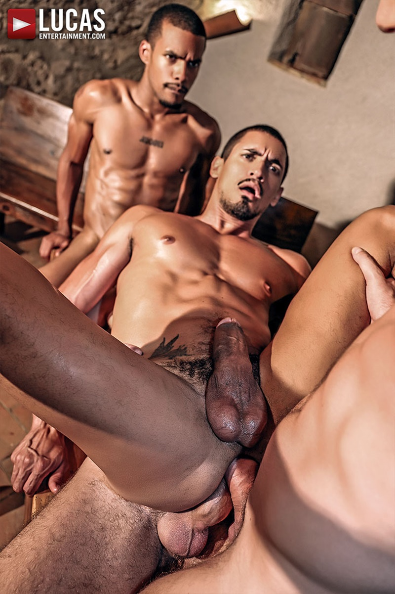 lucasentertainment-hot-naked-big-tattoo-muscle-men-zander-craze-jacen-zhu-wolf-rayet-bottom-boy-ibrahim-moreno-double-penetration-017-gay-porn-sex-gallery-pics-video-photo