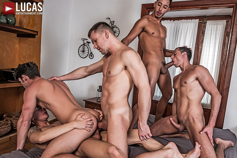 Raw double-penetration with Devin Franco, Andrey Vic, Javi Velaro, Drae Axtell and Angel Cruz