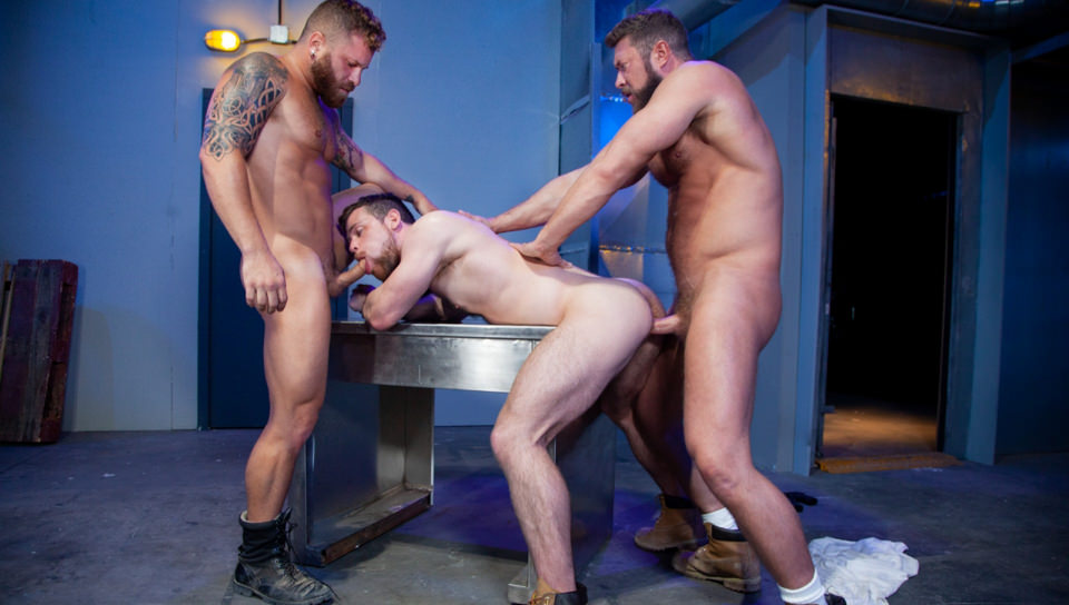Men for Men Blog 70345_04_01 Hardcore ass fucking threesome Johnny Ryder, Kurtis Wolfe and Riley Mitchell big dicks suck n fuck Raging Stallion