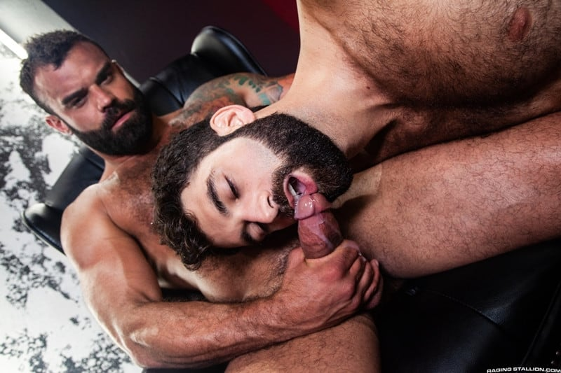 Men for Men Blog Ripped-stud-Drake-Masters-Tegan-Zayne-big-dick-dude-smooth-muscled-ass-RagingStallion-015-gay-porn-pictures-gallery Ripped stud Drake Masters pounds away on Tegan Zayne's scruffy ass Raging Stallion