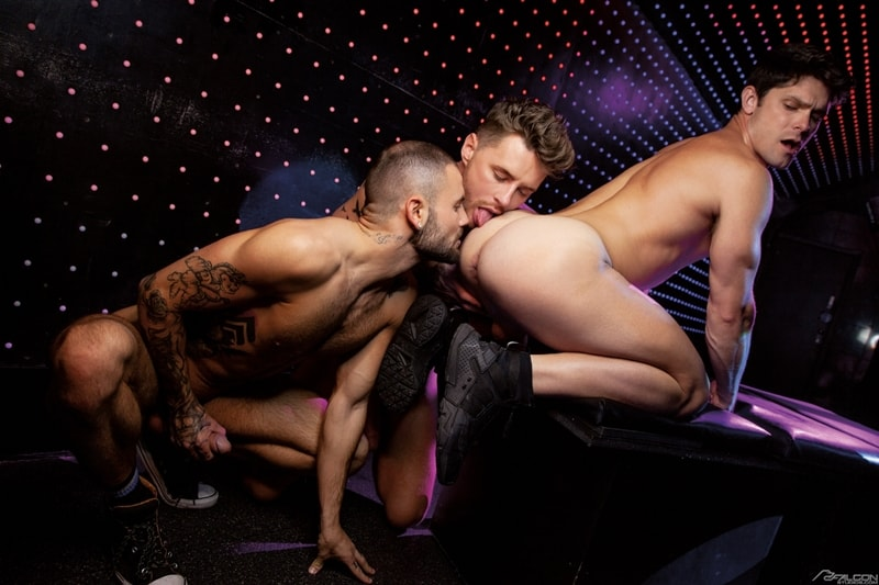 Josh-Moore-Jeffrey-Lloyds-huge-cocks-spit-roasting-Devin-Franco-hot-bubble-butt-ass-hole-FalconStudios-009-Gay-Porn-Pics